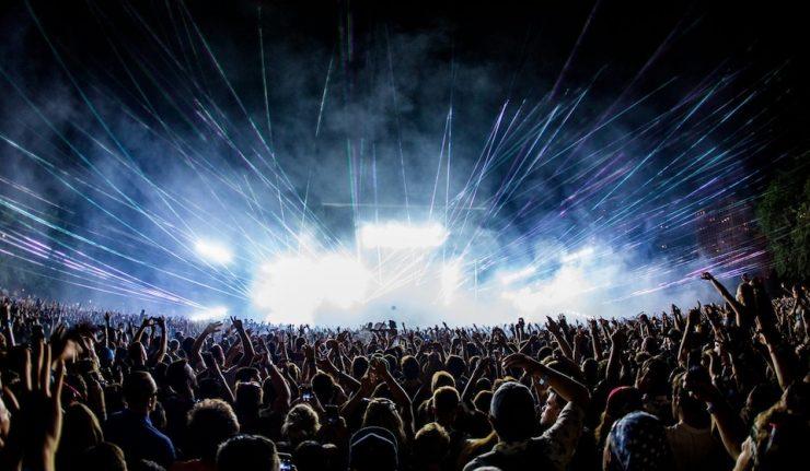 uk festival crowd