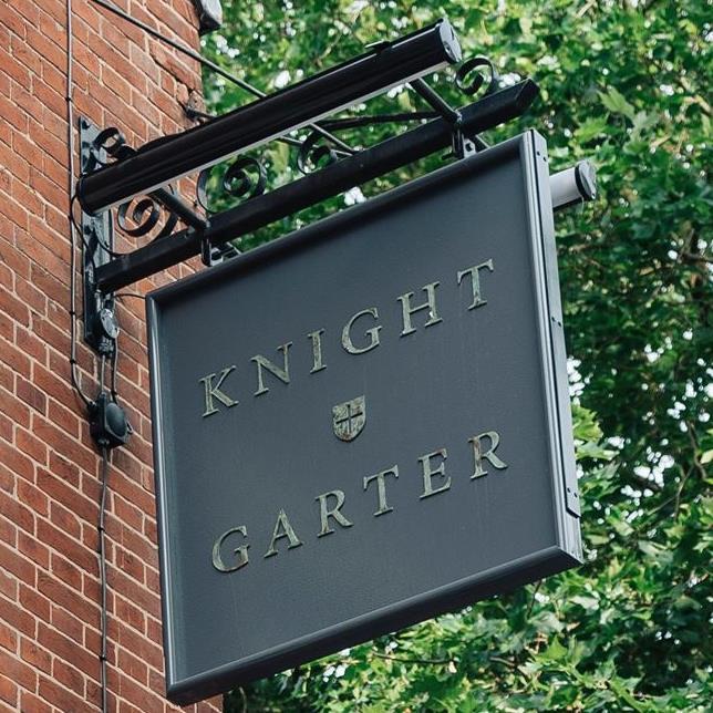knight and garter