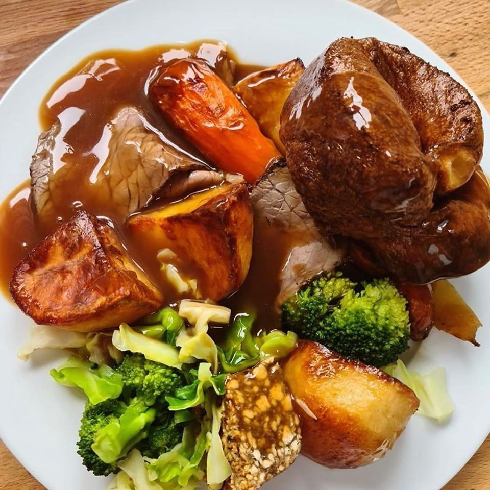 cow & plough Sunday lunch